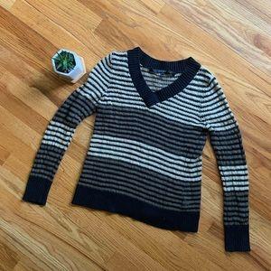 mac & jac | Anthropologie | V-Neck Sweater | M